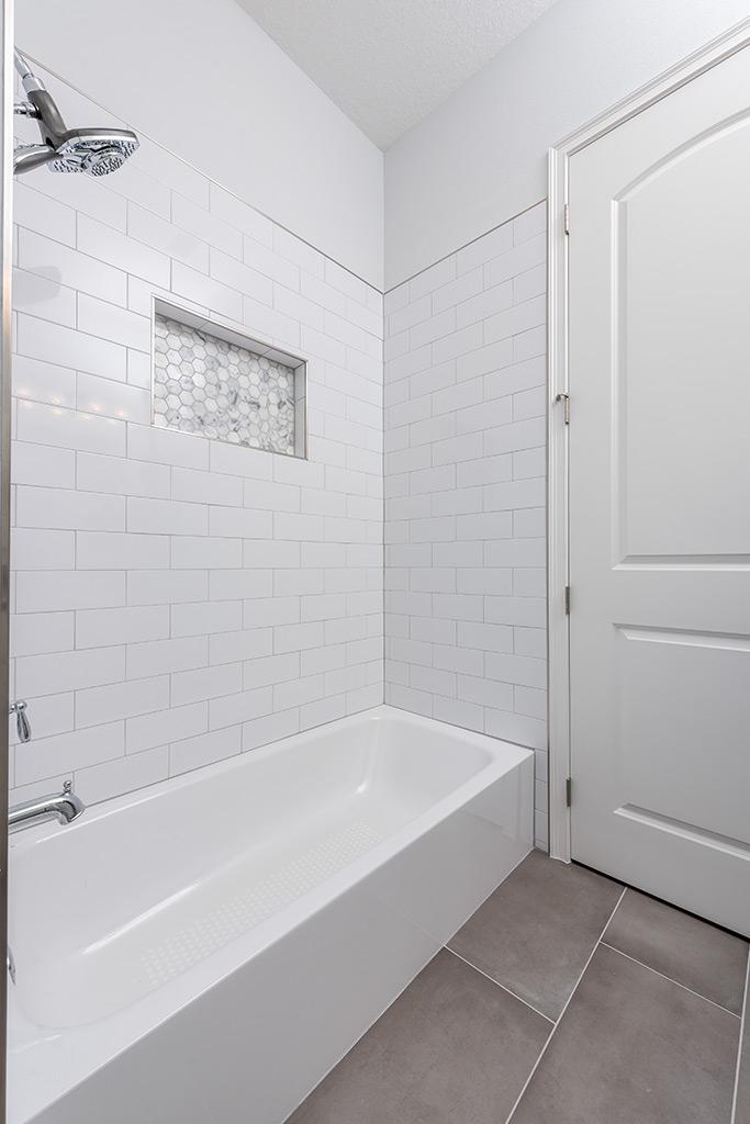 Southern Craftsman - Bathroom