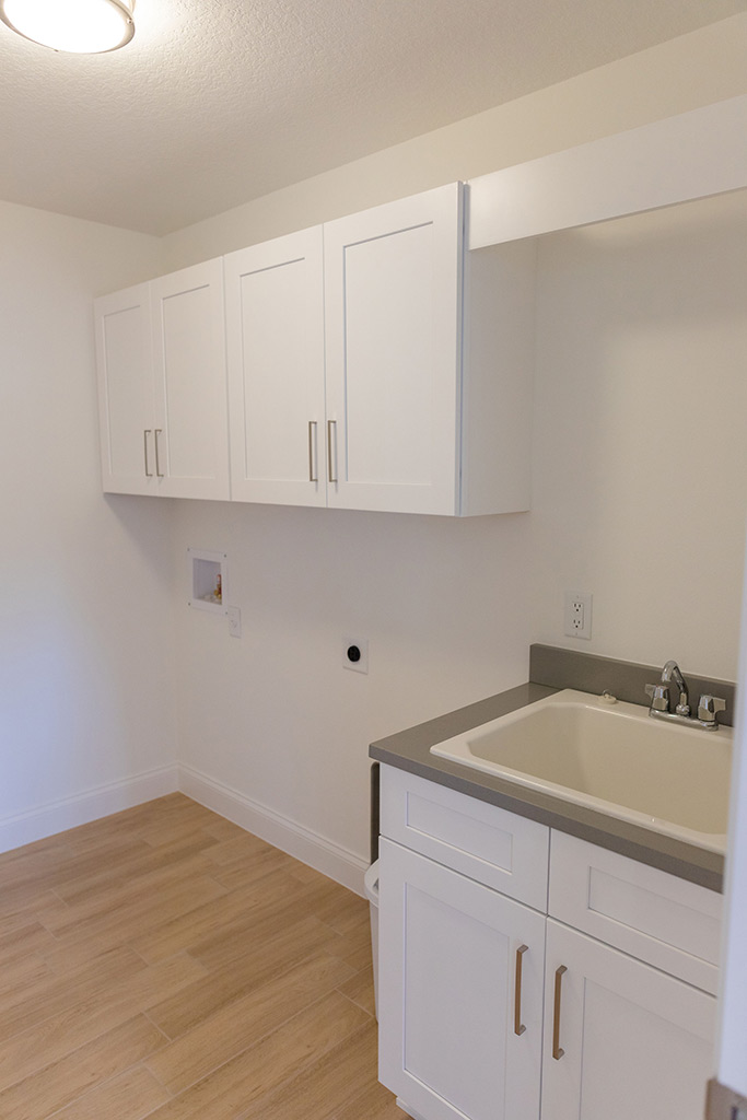 The Oaklen - Laundry Room