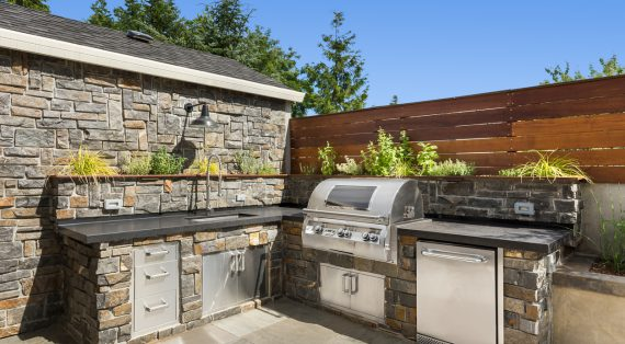 Tips for Designing the Best Outdoor Kitchen