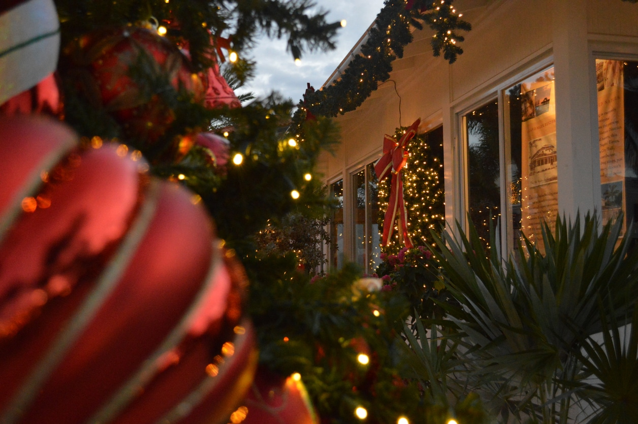 How to Decorate for Christmas with Florida Flair