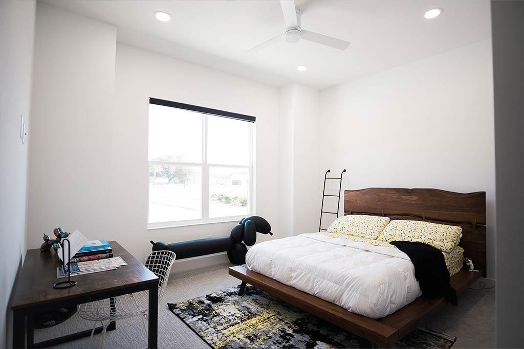 The Oaklen II - Bedroom