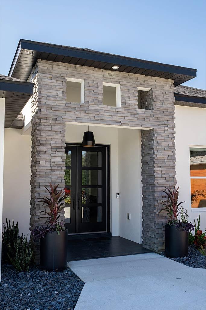 The Oaklen II - Entryway