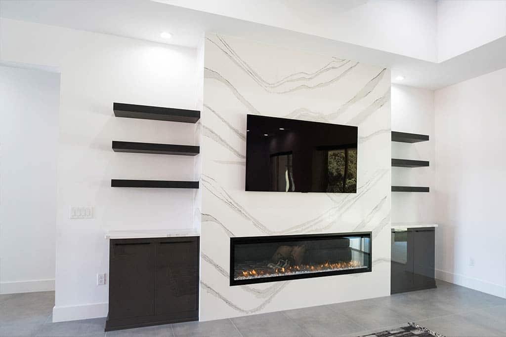 The Oaklen II - Fireplace
